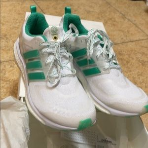 ADIDAS X CONCEPTS ENERGY BOOST SIZE 11.5